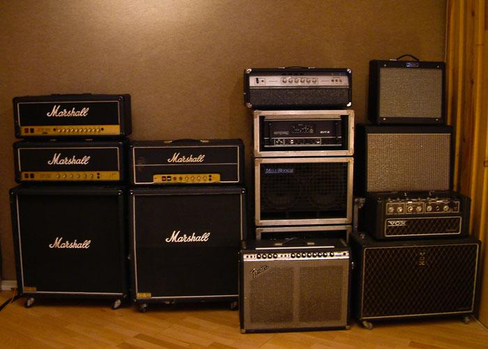 Studio-E---001---back-line-Amplis